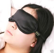 femme dort avec bandeau
