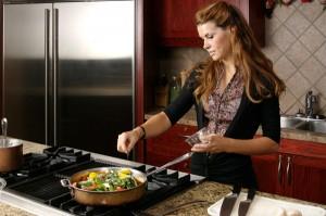 femme cuisine 4