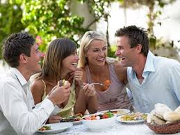amis mangent ensemble