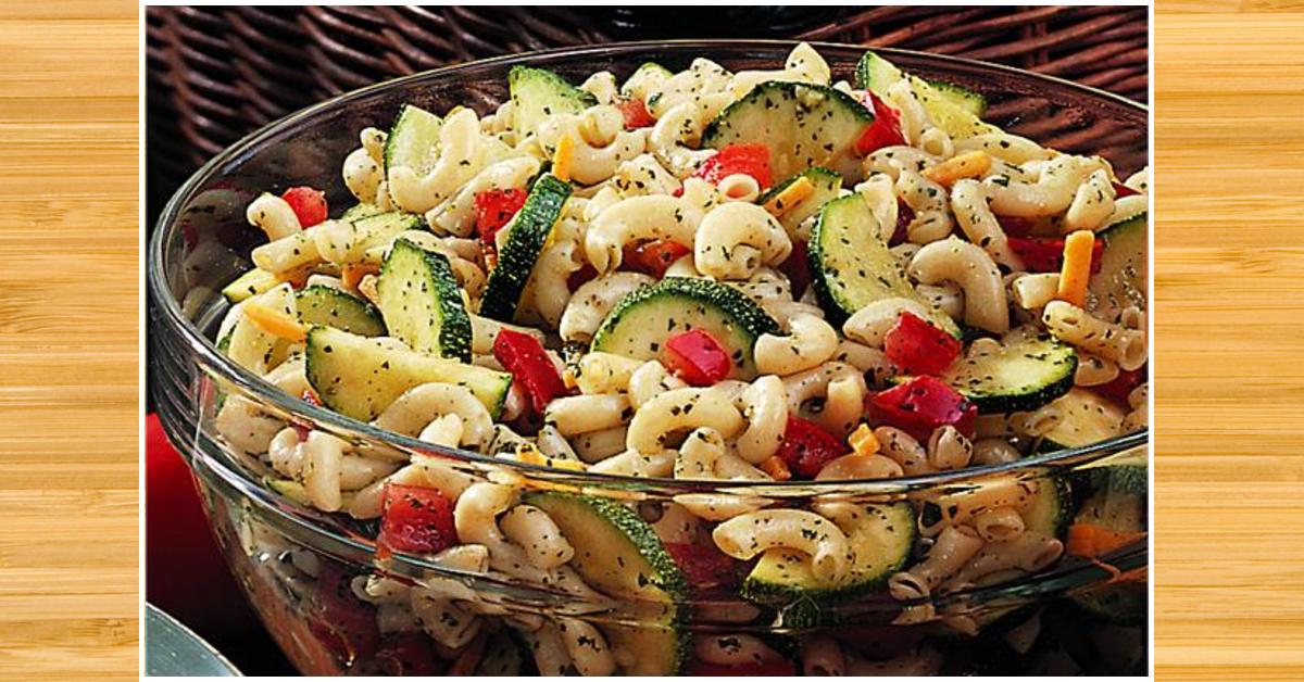 Salade de macaroni et aux légumes