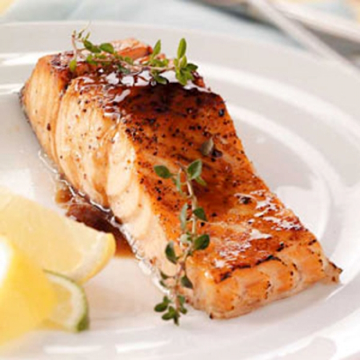Filet de saumon laqué à l'érable et balsamique