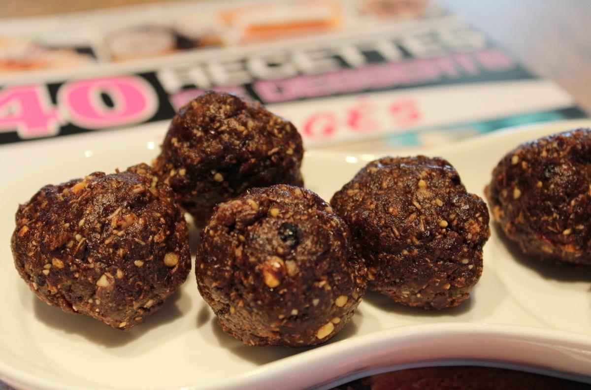 Recette de boules d'énergie du randonneur au cacao